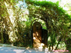 Boris Karloff's Rose Garden - Photo